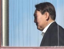 """법무부 """"징계위가 허락하면 윤석열이 신청한 증인들 부를 수 있어"""""""