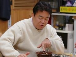 """백종원, 씹던 고기 뱉었다…김치찜짜글이집 """"어제 삶은 고기"""""""