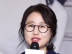 김은숙 작가·화앤담 대표, 학대 아동 위해 1억 기부