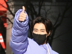 [사진] 유노윤호 '오늘도 열정 엄지척'