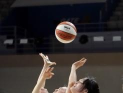 [사진] 공은 어느팀에게?