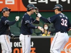 [사진] 두산 김재환, 3점 홈런