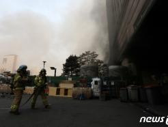 [속보]남양주 주상복합 불…부상 31명 '단순 연기흡입'