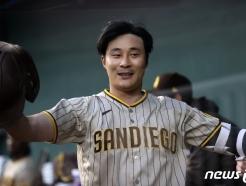 [사진] '드디어 터졌다' 김하성 MLB 첫 홈런