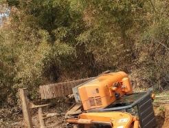 충남 서산 야산서 벌목하던 60대 굴삭기 깔려 숨져