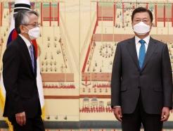 """[30초 뉴스]文대통령, 日대사에 """"오염수 방류 우려"""" 비판"""