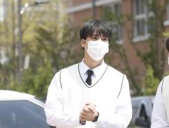 [사진] 하이라이트 손동운, 훈내 진동