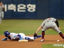 [사진] 박해민 '도루 성공'