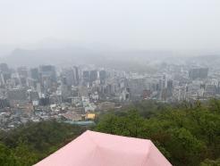 [오늘의 날씨] 경기(16일, 금)…아침 봄비에 포근·미세먼지 '나쁨'