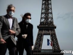 '3차 대유행' 프랑스, 코로나 누적 사망자 10만 넘어서