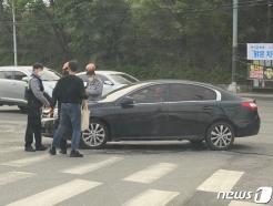 횡단보도 건너던 40대 여성 불법 좌회전 차량에 치여 '중상'