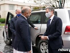 [사진] 가니 아프간 대통령 환영받는 블링컨 국무