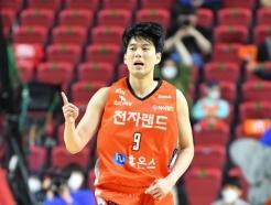 '전현우+모트리 45점' 전자랜드, 오리온 잡고 4강行... KCC 나와라!
