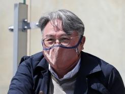 [사진] 경기장 찾은 김경문 국가대표팀 감독