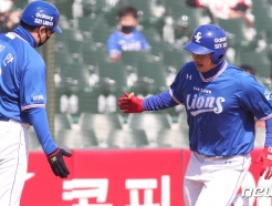 [사진] 삼성 김헌곤 '홈런이야'
