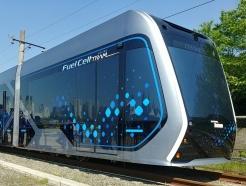 탄소는 '절반', 비용은 '5분의1'…조용한 미래열차 '수소트램'