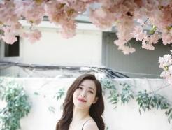 [사진] 모파니 영, 만개한 벚꽃 미모