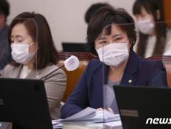 """'朴 탄핵 부당' 서병수에...조수진 """"사과해야, 탄핵 부정 안돼"""""""
