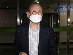 [사진] 한국타이어家 '형제분쟁' 2라운드…법원에 출석한 조양래 회장
