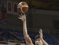 [사진] 오세근 '정확한 슛'