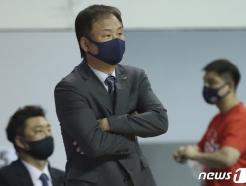 [사진] 유재학 '걱정 가득'