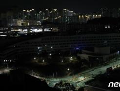 [사진] 어둠 속에 몸 숨긴 세종청사