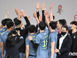 """'실업 대회' 출전하는 최태웅 감독 """"프로의 자존심 지켰으면"""""""