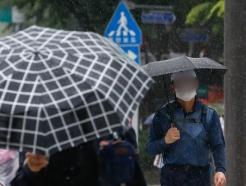 [사진] 주말 전국 곳곳 비…때이른 더위 한풀 꺾여