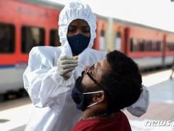 인도, 신규 확진 소폭 감소했지만 사망자는 여전히 4000명 육박(종합)