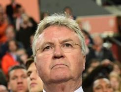 히딩크 감독, 코로나 확진…월드컵 예선 앞둔 퀴라소 '비상'