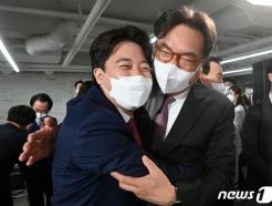 """""""변화 긍정적, 걱정도""""…'이준석 대표' 중진들 심경 들어보니"""