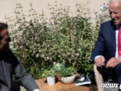 [사진] 마크롱과 양자 회담하는 바이든 대통령