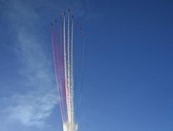[사진] G7 정상회의 축하 곡예비행하는 英 레드 애로우