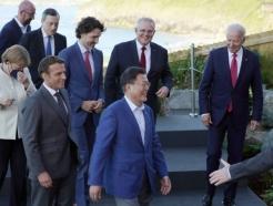 "G7마친 文대통령 ""국민을 대표한다는 마음으로 임했다"""