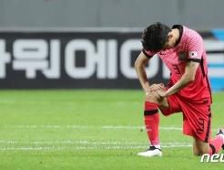 [사진] 기도하는 김진야