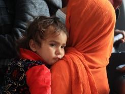 """""""아프간 女난민 3000명 중 2000명이 임신""""…발칵 뒤집힌 독일 미군기지"""