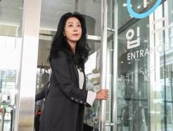 """""""피부 좋아서 점 없다"""" 이재명에…김부선 """"잘 안보이는데 있다"""""""