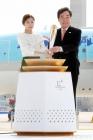 [포토is…]'성화 든 여신' 김연아, 이낙연 총리와 함께 점화
