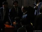 국회 본회의장 들어서는 문재인 대통령