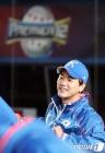 """최고가 최고에게, 류현진 """"김광현, 몸 관리만 잘하면 MLB 통해"""""""