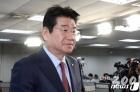 """'해병대 출신' 강석호 """"당선되면 바로 민주당에 뛰어간다"""""""