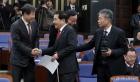 의원들과 인사 나누는 심재철-김재원