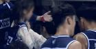장대비에도 팬과 사진찍는 K리그 VS 동심 팬 외면하는 KBL