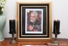 이란대사관에 놓아진 솔레이마니 영정