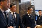 신동빈 회장, 무거운 표정