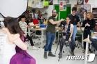 덜위치칼리지 서울 영국학교, 다양성 예술 프로그램 일환으로 포토그래퍼 직업체험 특강 진행