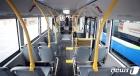 일반 버스보다 긴 형태의 전기굴절버스