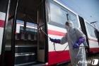 감염자 없다는 북한, '자발적 고립'에 외교 업무 마비