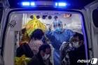 구급차 타고 레이선산 병원으로 가는 우한의 확진자들