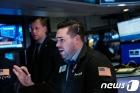 [속보] 뉴욕증시 강보합 출발…S&P 0.3%↑